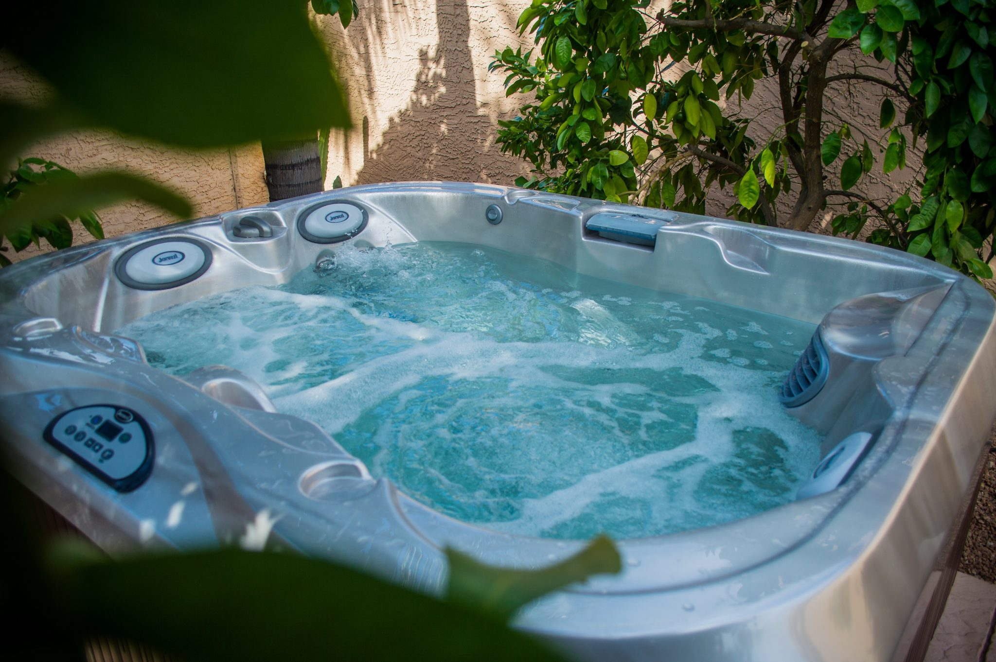 Outdoor Jacuzzi Hot Tub in Manitoba