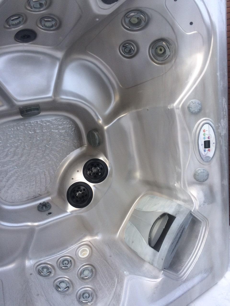 2010 Twilight 7.25 6 adult hot tub
