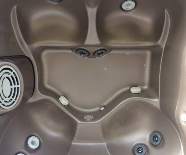 2007 Jacuzzi J325 - 4 adult tub in great shape