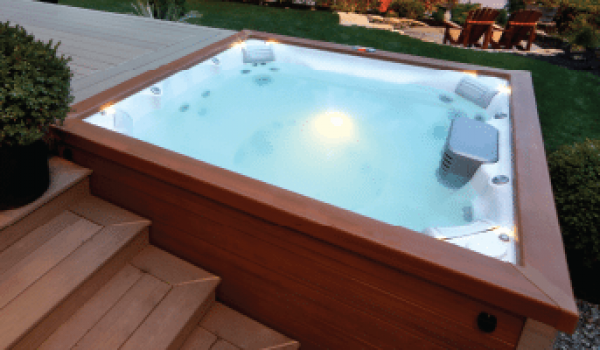 J-LX Jacuzzi Hot Tub Design in Manitoba